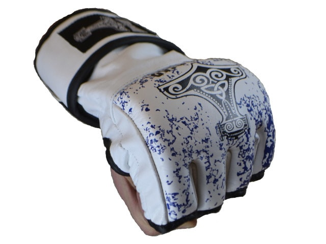 lighting-glove-21815.1395622748.1280.1280-min.jpg